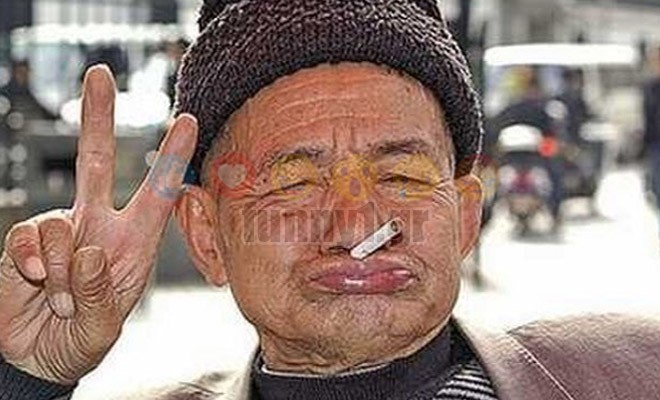 ΚΟΡΥΦΑΙΟ! Ένας παππούς στη Μύκονο…