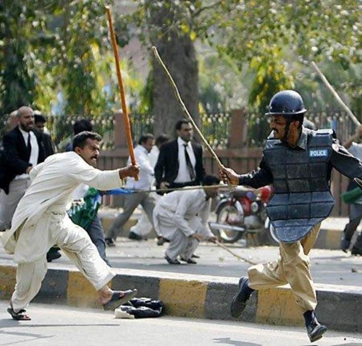 Αλλόκοτες καταστάσεις από το Πακιστάν