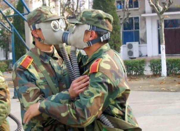 Όταν οι στρατιώτες κάνουν χαβαλέ