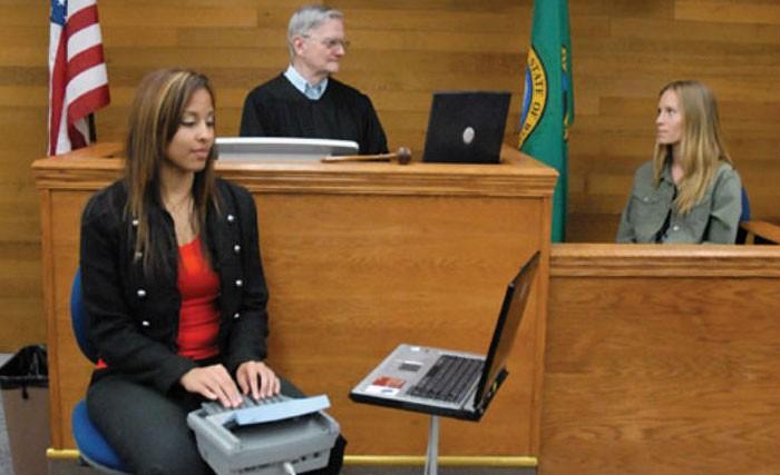 Οι 10 πιο σπαρταριστοί διάλογοι που έχουν καταγραφεί ποτέ σε μία αίθουσα δικαστηρίου!