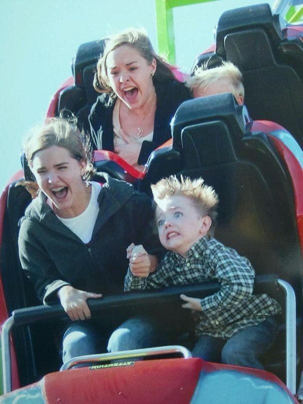 Φωτογραφίες σε Rollercoaster που θα σας κάνουν να πεθάνετε από το γέλιο