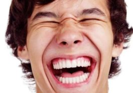 Ανέκδοτο: Πηγαίνει ένας στον γιατρό γιατί δεν αισθανόταν καθόλου καλά ….! Τρελό γέλιο