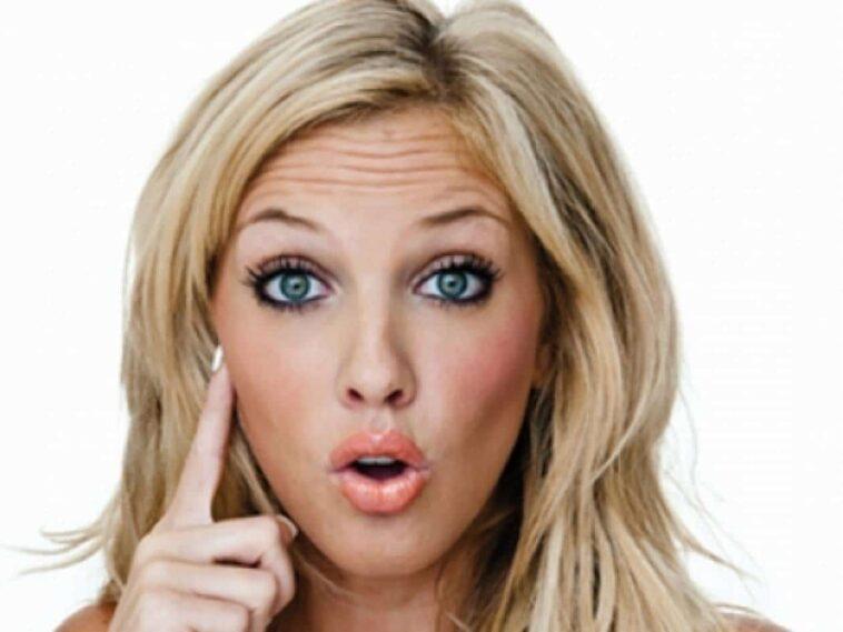 ΑΝΕΚΔΟΤΟ: Μπαίνει μια ξανθιά σε ένα κατάστημα για να αγοράσει μία εικόνα ….! Τρελό γέλιο