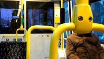 Ανέκδοτο: Κεκες μπαίνει σε λεωφορείο και ρωτα τον ΕΙΣΠΡΑΚΤΟΡΑ. Πολύ γέλιο