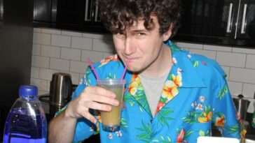 Ανέκδοτο: Πάει ένας σε ένα μπαρ για να πιει ΠΟΤΑΚΙΑ. Τρελό γέλιο