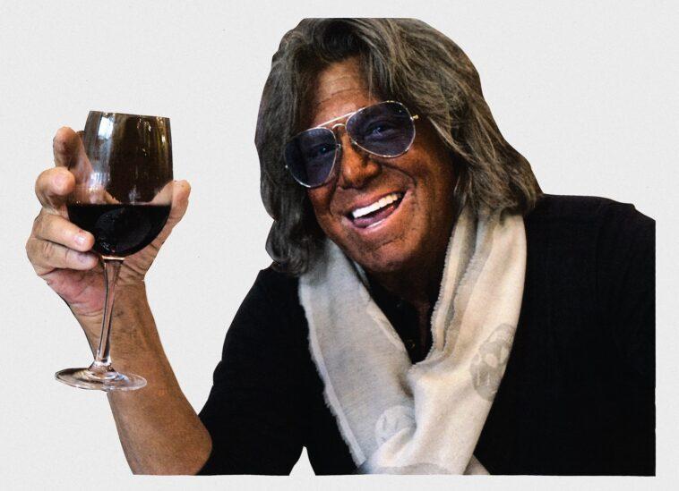 ΑΝΕΚΔΟΤΟ: Ο Κουασιμόδος και τα ΓKOMENAKlA. Μπαίνει ένας σε ένα μπαρ… Τρελό γέλιο