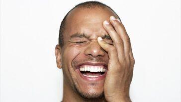 Ανέκδοτο: Ο Τοτός έχει πάει με τον πατέρα του για μπάνιο ….! Τρελό γέλιο