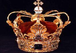 ΑΝΕΚΔΟΤΟ: Είναι ο Βασιλιάς, η Βασίλισσα και ένας ΑΡΑΠΗΣ! Τρελό γέλιο