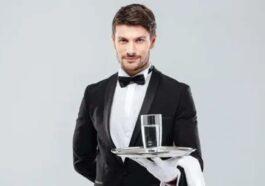 Ανέκδοτο: Ενας τύπος παραγγέλνει μια σούπα και το γκαρσόνι του τι φέρνει έχοντας ένα από τα δάχτυλα του βουτηγμένο μέσα στη σούπα …! Τρελό γέλιο