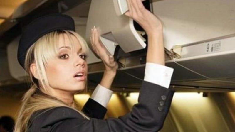 Ανέκδοτο: Ο πιλότος καλωσορίζει τους επιβάτες …! Τρελό γέλιο