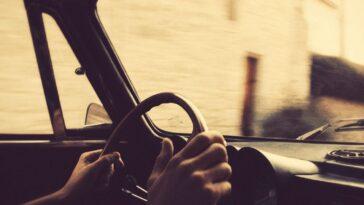 Ανέκδοτο: Ασσος στο τιμόνι