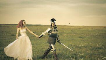 Ανέκδοτο: Ο νεαρός ιππότης του Βασιλιά Αρθούρου έχει απωθημένο να…