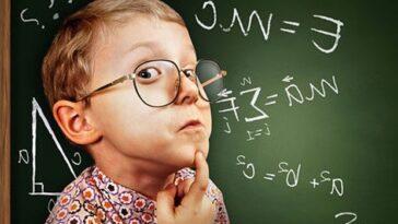 Ανεκδοτάρα: Λέει η Θεούσα γεροντοκόρη δασκάλα στα παιδάκια…